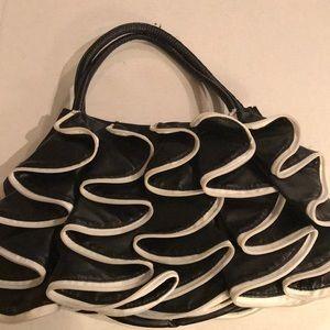 Aldo Black &  White Shoulder bag w/zipper accents